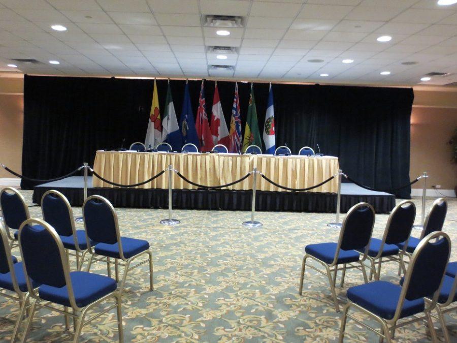 Photo d'une salle pour une conférence de presse